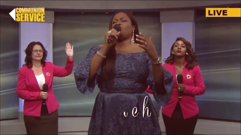 Sinach Latest: (Majesty) I stand in Awe of You with Lyrics
