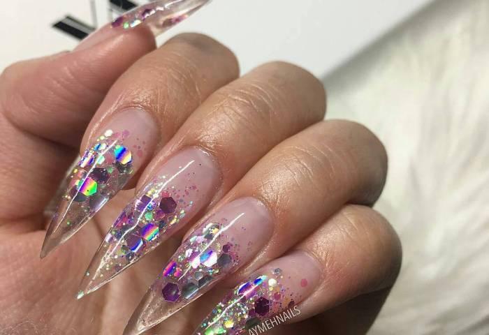 Uñas De Cristal Brillan Como Las Zapatillas De Cenicienta