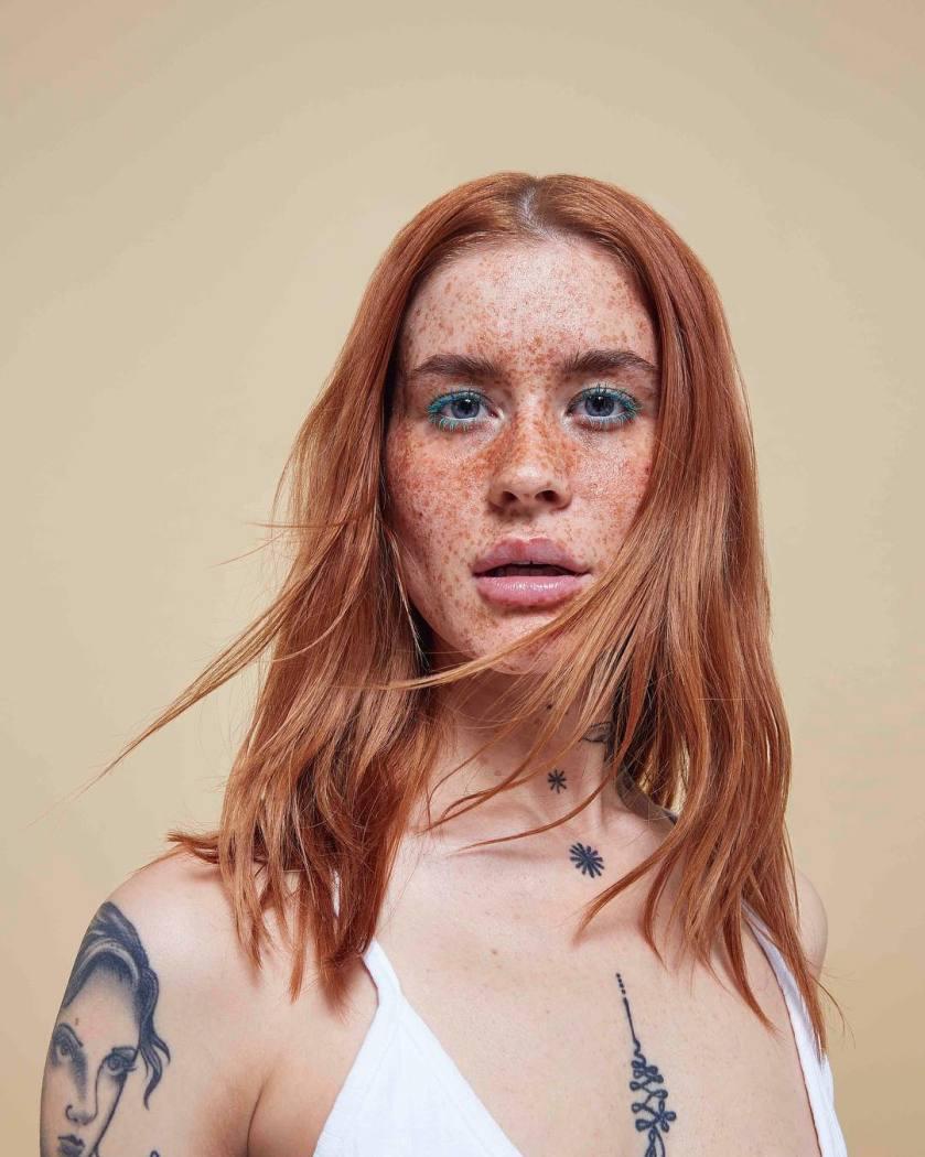 Polly Ellens en la campaña de moda de una marca de ropa