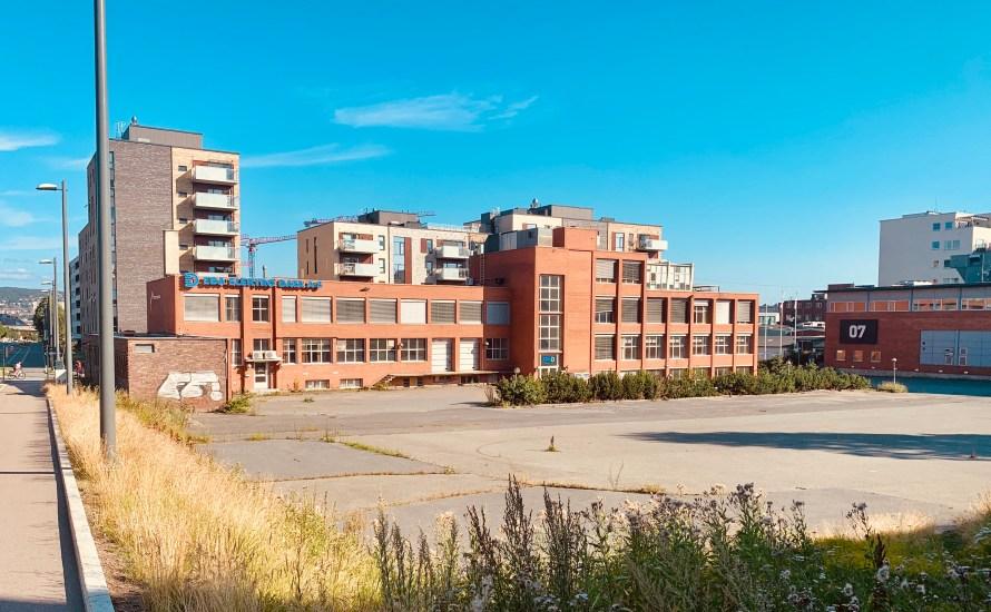 Nå er rammesøknaden for Jordankvartalet sendt inn til Plan og bygningsetaten. Det er OBOS som eier Peter Møllers vei 8 – 14. Planene er tegnet av TAG arkitekter. Den første […]