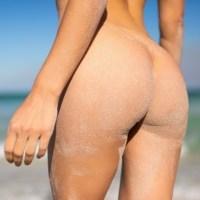 Το Σάββατό μας γίνεται πιο όμορφο ... με το γυμνό κορμί της Gloria Sol !