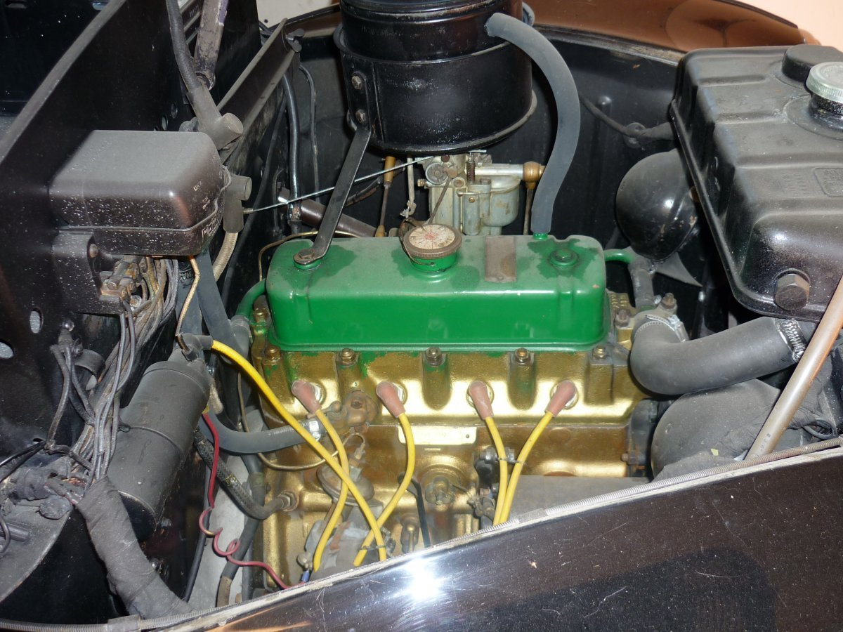 P1010303 - 4x3 - engine