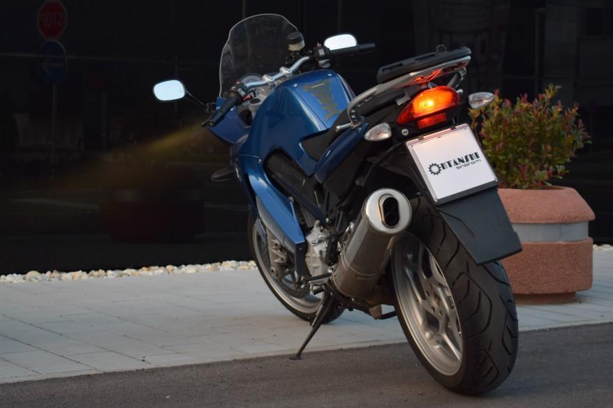 Napokon manje registarske pločice za motocikle