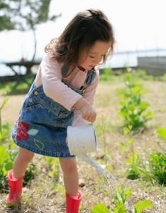 Mladi vrtnarji - Otroci in vrt