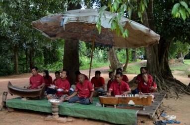 Angkor. Musiciens mutilés par des mines