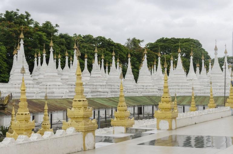 Pagode au pied de Mandalay Hill