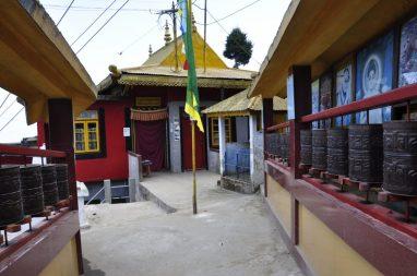 le temple dans le centre tibétain