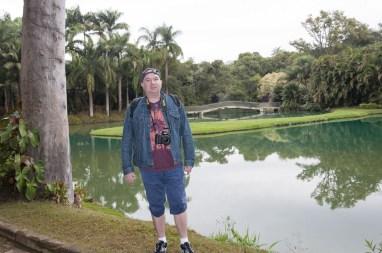 Laurent devant un des lacs