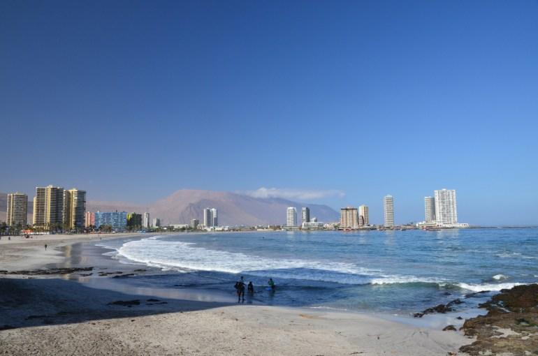Iquique : la plage, le cerro