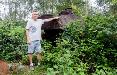 un tank, dans la jungle
