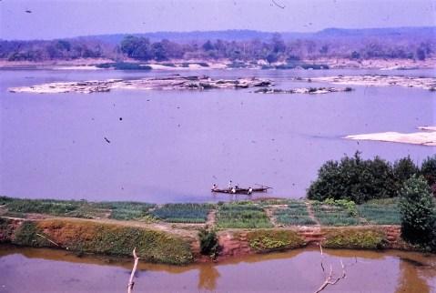 Baignade dans le Mékong (Khémarat)
