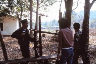 Frontière (fermée) avec le Laos