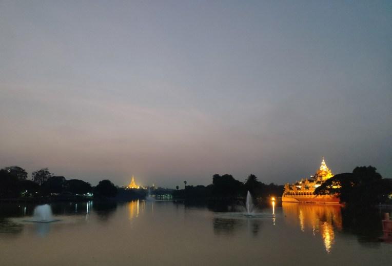 lac Kandawgyi (Shwedagon au loin)
