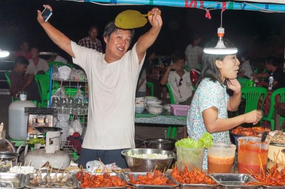 Night market Mawlamyaïne