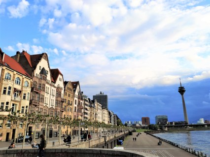 Dusseldorf quais sur le Rhin