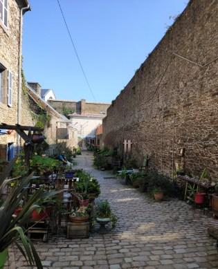 """Brest: rue St Malo, la seule """"vieille"""" rue de Brest"""