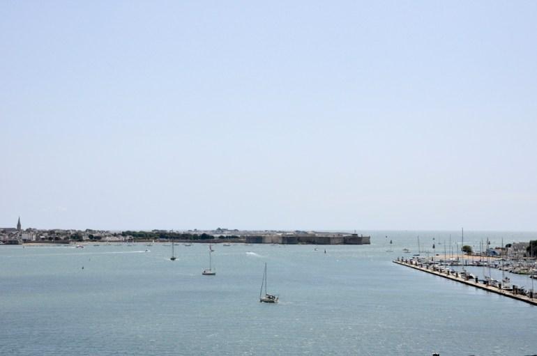 Lorient port louis au loin