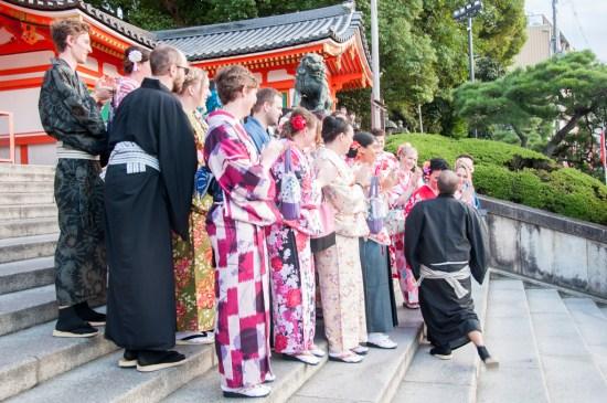 La demande en mariage devant le parc Gion