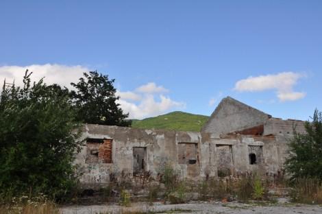 bosnie maison en ruine , suite aux bombardements