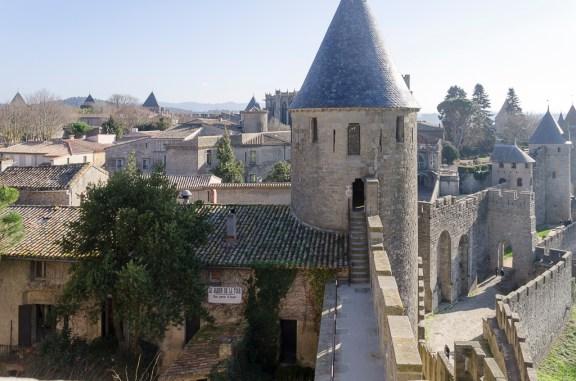 Carcassonne intérieur de la ville fortifiée