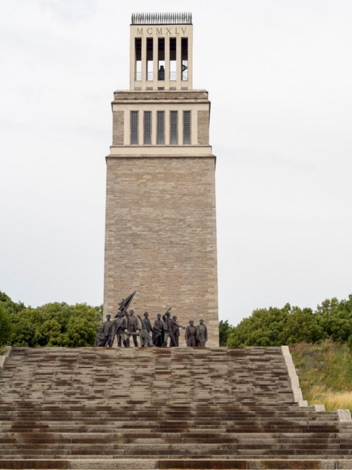 buchenwald : monument aux victimes