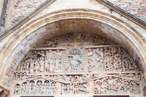 Le tympan de la basilique