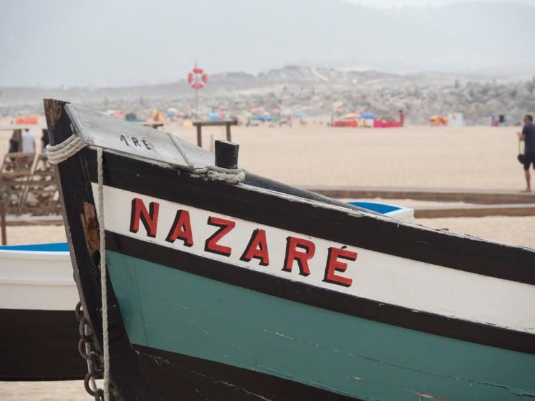 Nazaré: la plage populaire