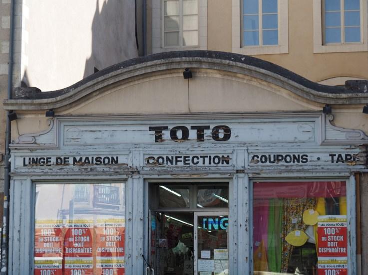 Rennes: vieille boutique