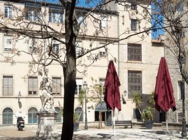 Montpellier. L'écusson (place Candole)