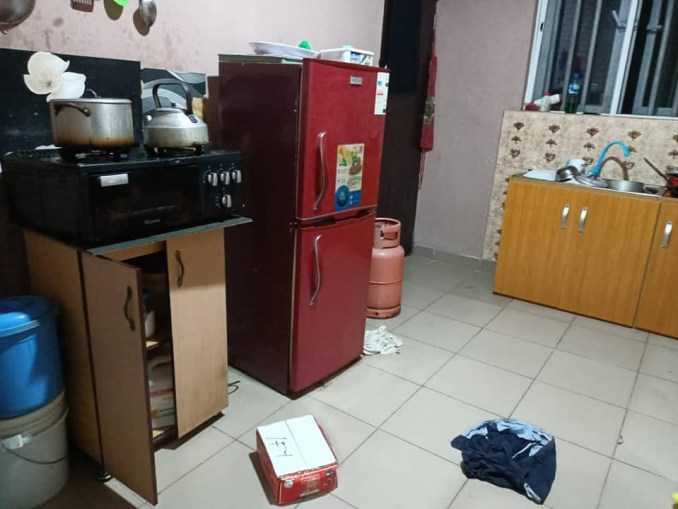 Nigerian journalist accuses EFCC officials of breaking her gate, doors and barging into her home in Abia (photos)