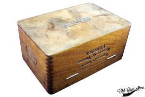 Cuban Glass top box PITA Hnos - Below