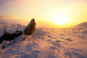 Winter-solstice-sunrise-Cairn-L