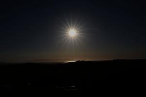 Solnedgang sett frå hotellet