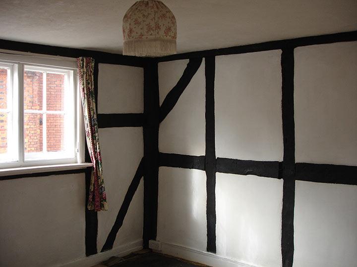 bedroom oak beams before renovation
