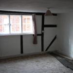 bedroom before renovation