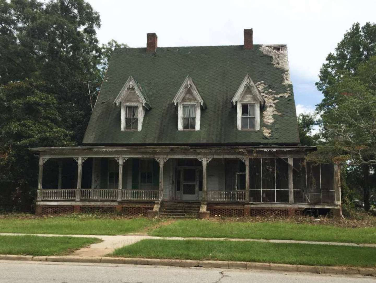 1876 Gothic Revival Fixer Upper In Louisville Georgia