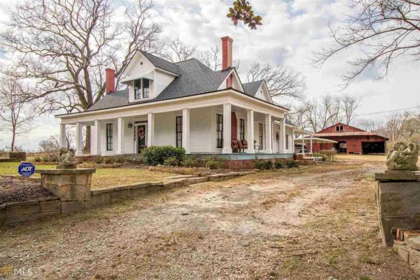 Georgia 1900 victorian farmhouse captivating houses for Old farm houses for sale in georgia
