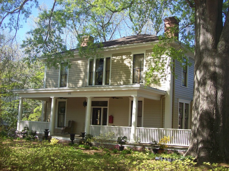 1915 American Foursquare In Louisburg North Carolina