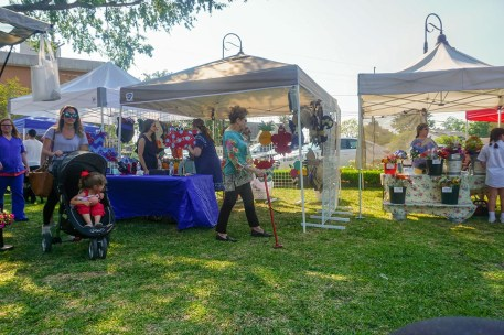 Farmers Arts Metairie Market 41 | Old Metairie Garden Club