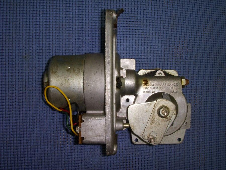 1958 1959 Chevrolet Windshield Wiper Motor Assembly Nos