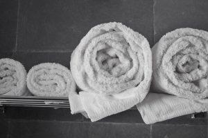 Shaxi hotel guestroom towels - Shaxi Old Theatre Inn - Shaxi Yunnan China