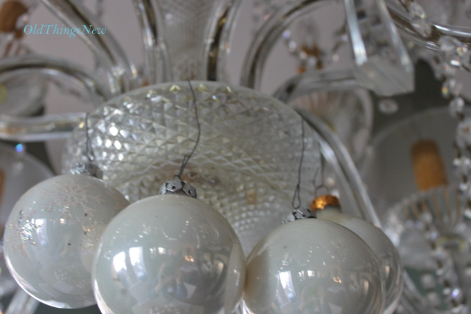19-Undecorating the Christmas Chandy 029