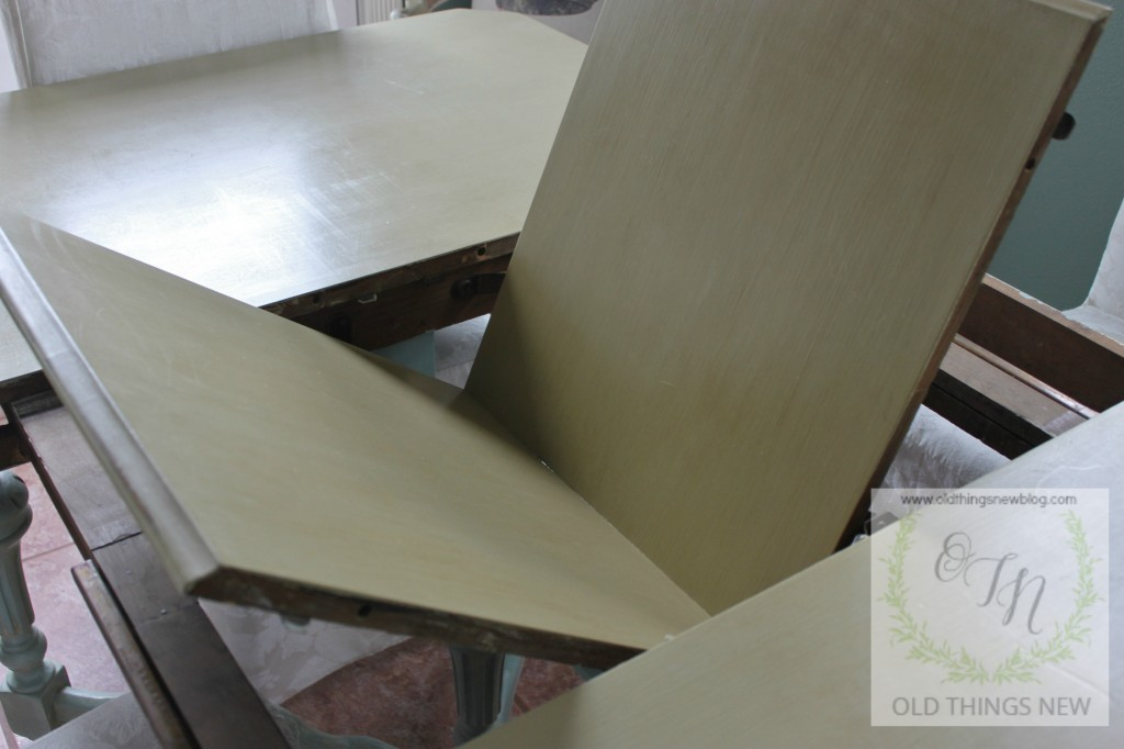 Vintage Kitchen Table (fold-in leaf) 001