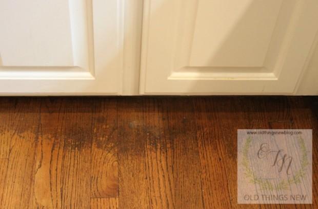 Cleaning Dirty Hardwood Floors 001