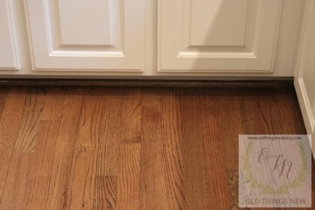 Cleaning Dirty Hardwood Floors 011