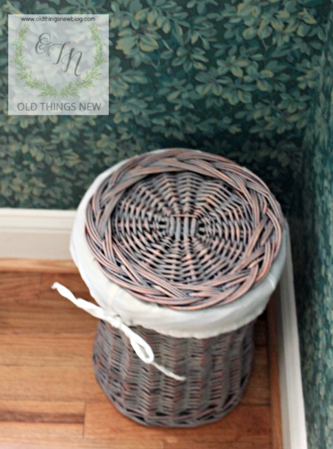 Weathered baskets 019
