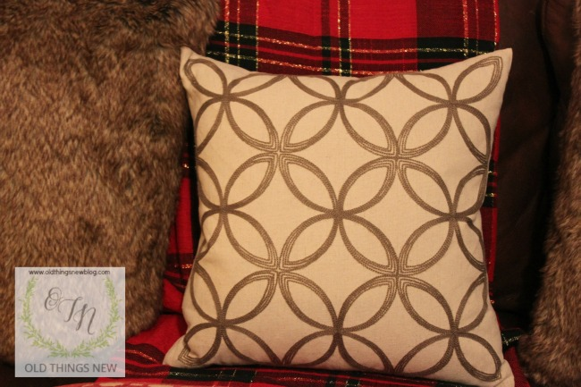 reindeer pillow 008