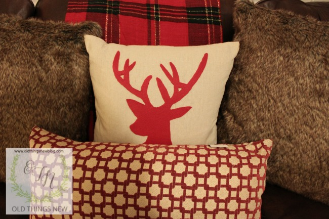reindeer pillow 012
