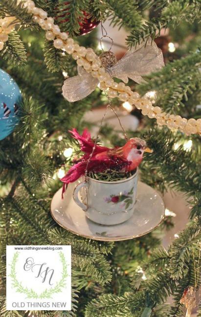 Birdy Teacup Ornament 001