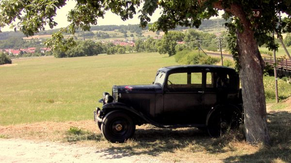 Opel 1,2 Oldtimer mieten für Events, Hochzeiten und Geburtstage in Fulda und bundesweit